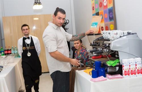 Chairry Seara Arhitecților - cafea preparată profesionist și degustare de vinuri